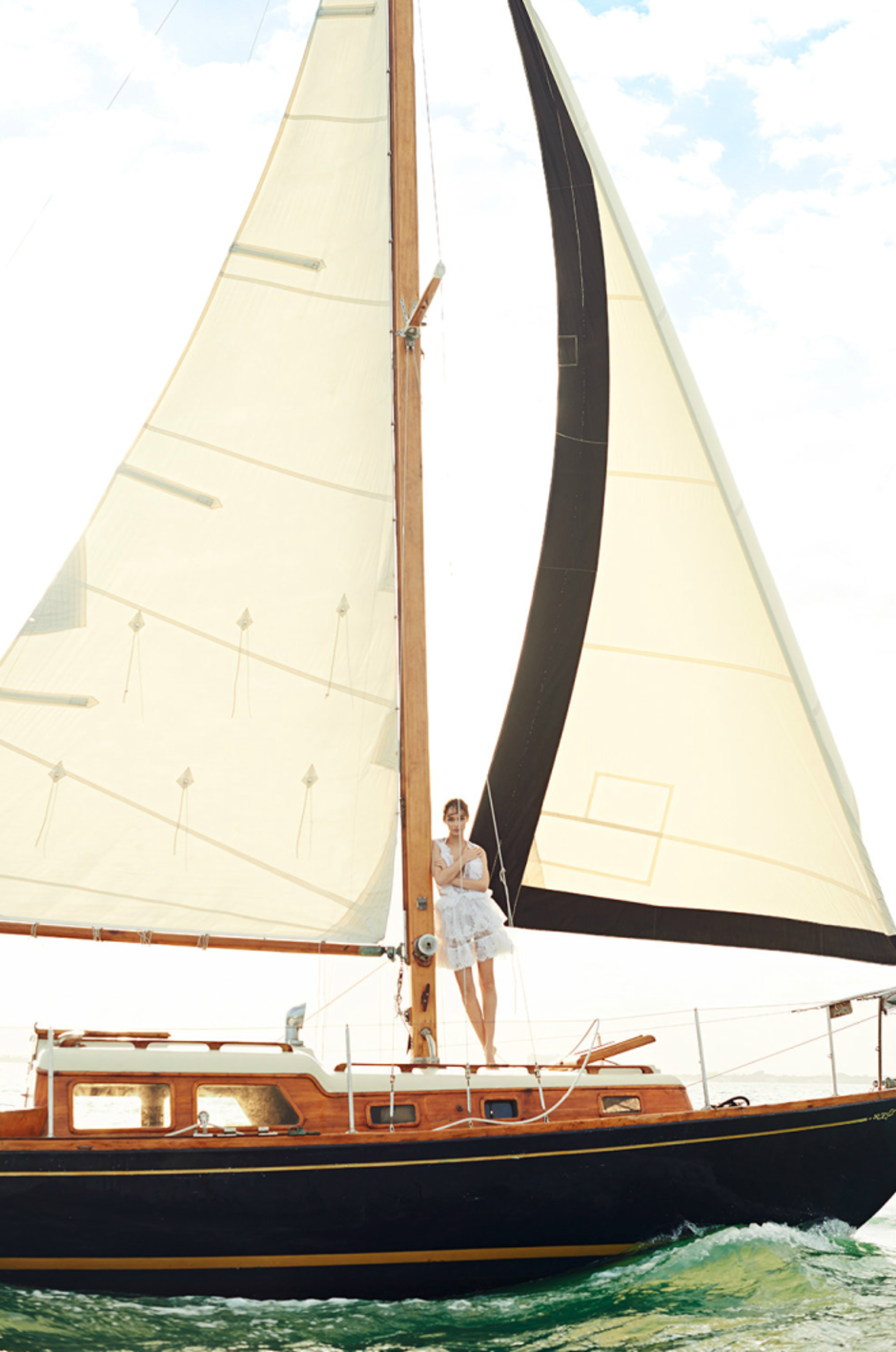 MODEL LUMA GROTHE SAILING IN MEXICO 6