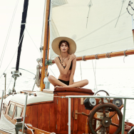 MODEL LUMA GROTHE SAILING IN MEXICO 7